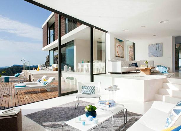 къща с красива гледка в Майорка