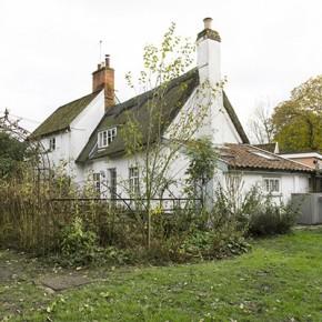 Къщата с ябълковото дърво