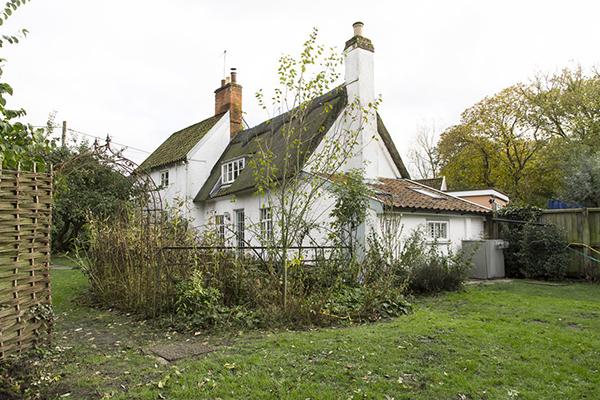 vesta mebel-apple tree cottage