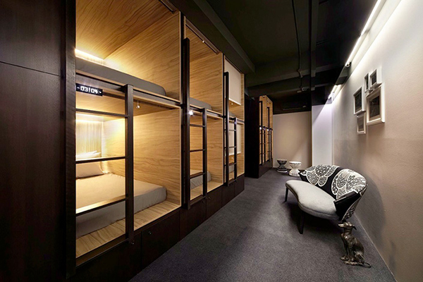 vesta mebel blog - the pod singapore capsule hotel