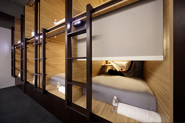 vesta mebel blog - the pod singapore capsule hotel3