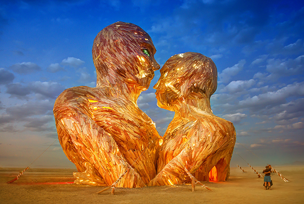 trey ratcliff-The Great Heads-burning man