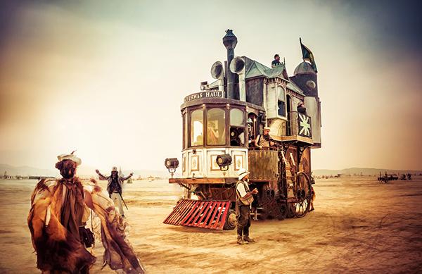 trey ratcliff-The Steamy Car-burning man