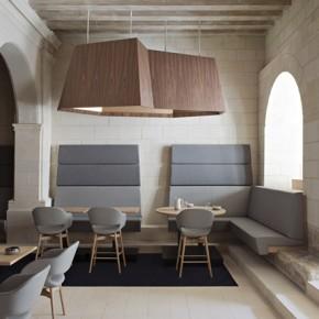 Майсторска реновация на хотел и ресторант в абатство Фонтевро