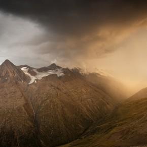 Мистични планински пейзажи от Мила Печенякова