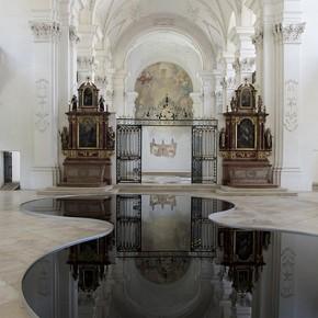 Концептуална инсталация в швейцарска църква